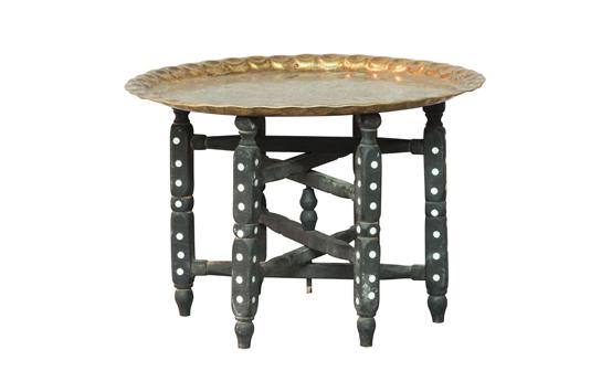 שולחן-צלחת-נחושת
